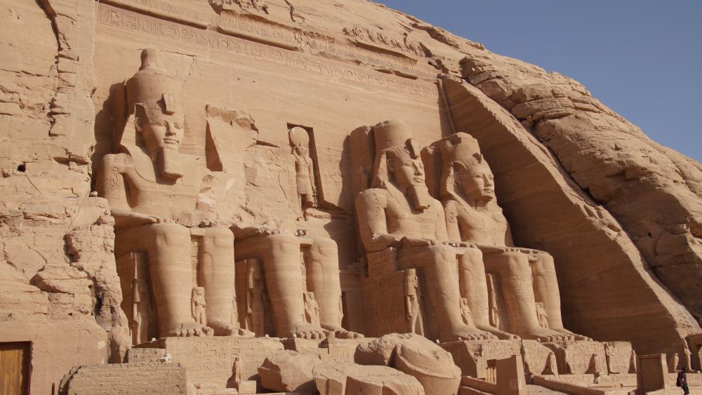 Abu Simbel temples wallpaper