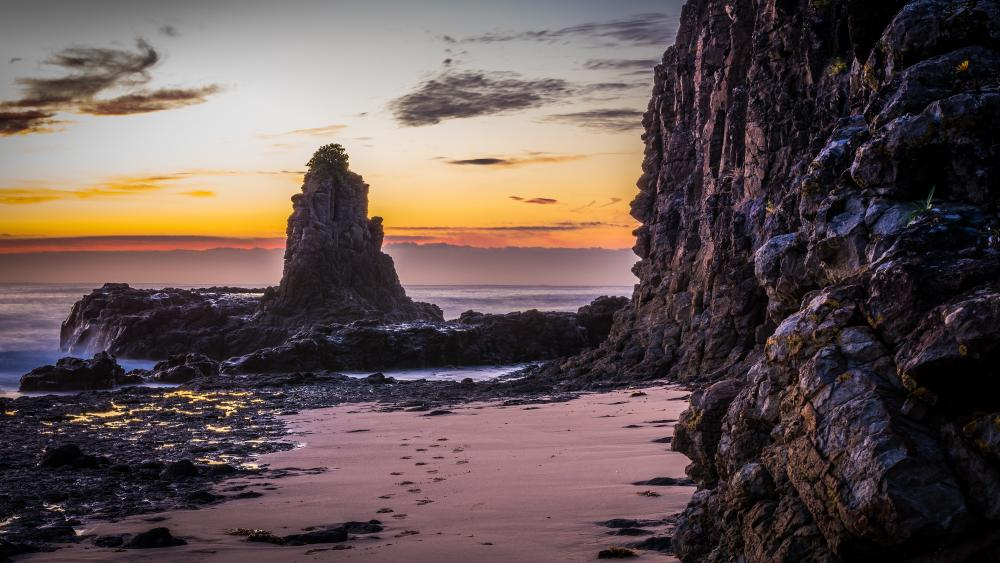 Cathedral Rocks at sunrise (Australia) wallpaper