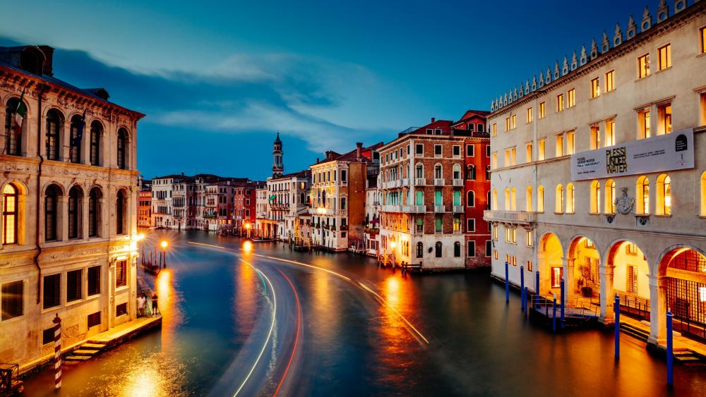 Grand Canal Long Exposure Photo wallpaper