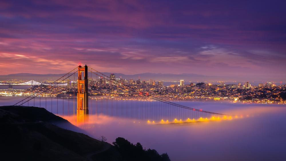 Golden Gate Bridge on a misty evening wallpaper