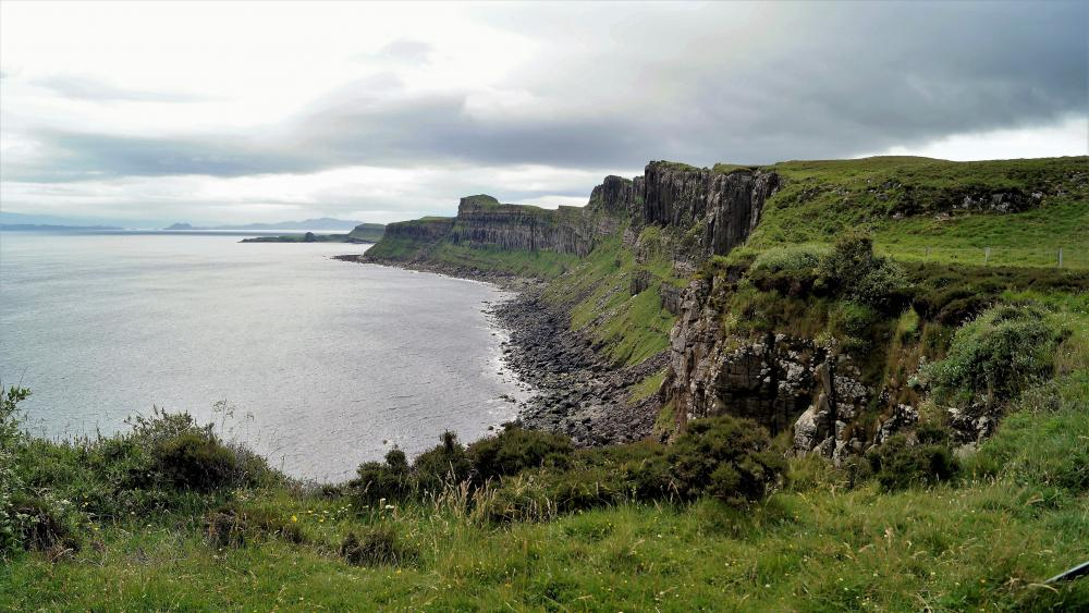 Kilt Rock on The Isle Of Skye wallpaper