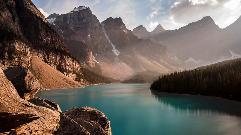 Moraine Lake, Banff National Park wallpaper
