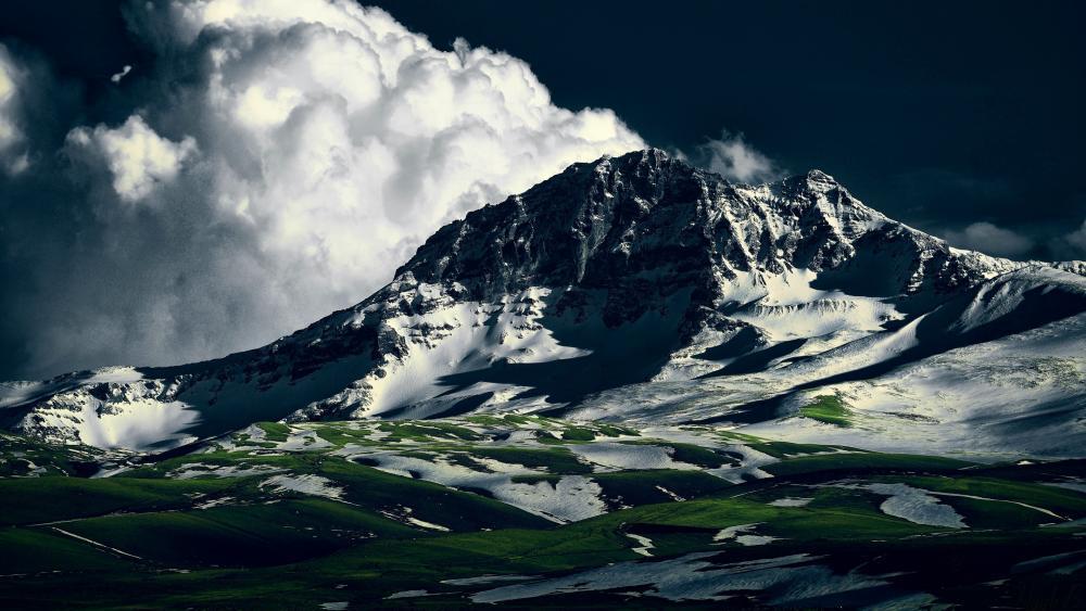 Mount Aragats wallpaper