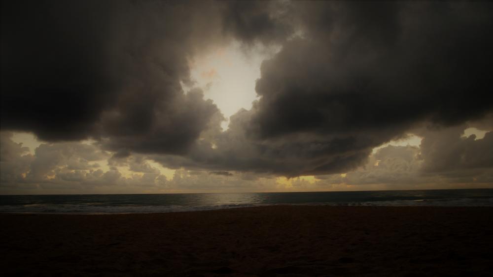 Storm is coming wallpaper