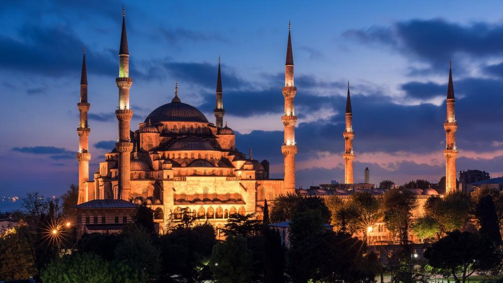 Sultan Ahmed Mosque at dawn wallpaper