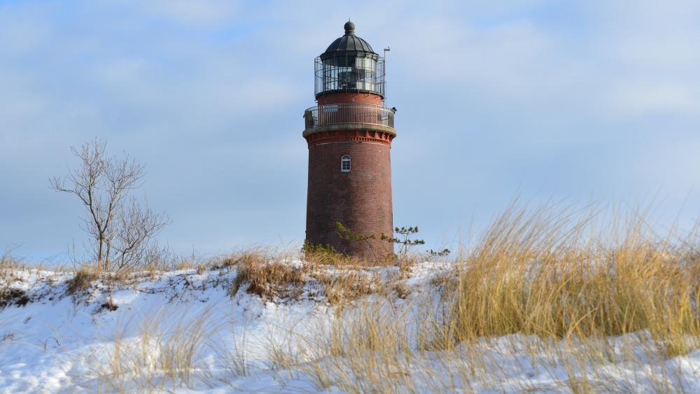 Darsser Ort Lighthouse in winter (Prerow) wallpaper