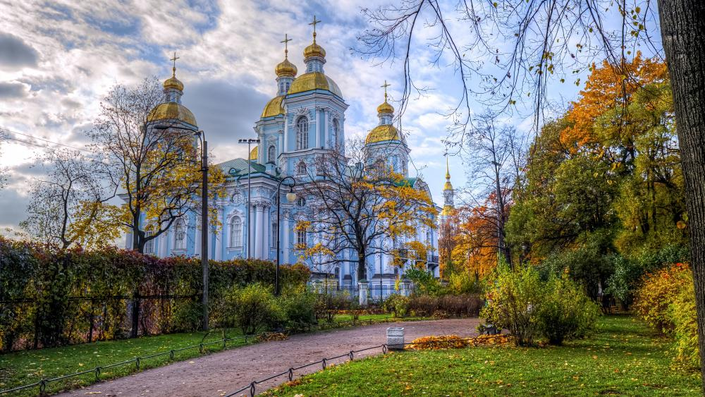 St. Nicholas Naval Cathedral at fall (Russia) wallpaper