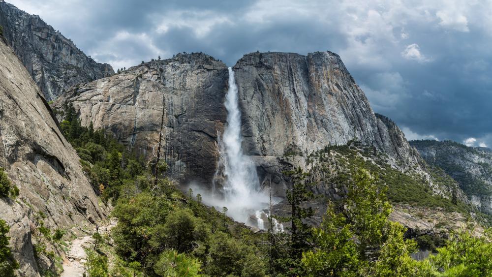 Yosemite Falls (Yosemite National Park) wallpaper