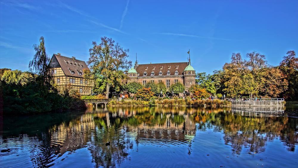Wittringen Castle at fall wallpaper