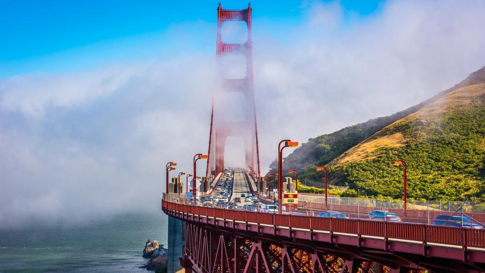 Misty Golden Gate Bridge wallpaper