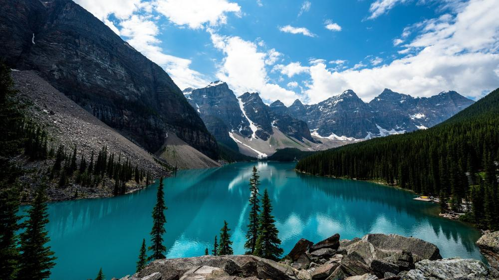 Moraine Lake (Banff National Park, Canada) wallpaper