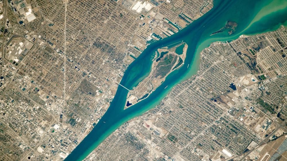 River of the Strait wallpaper