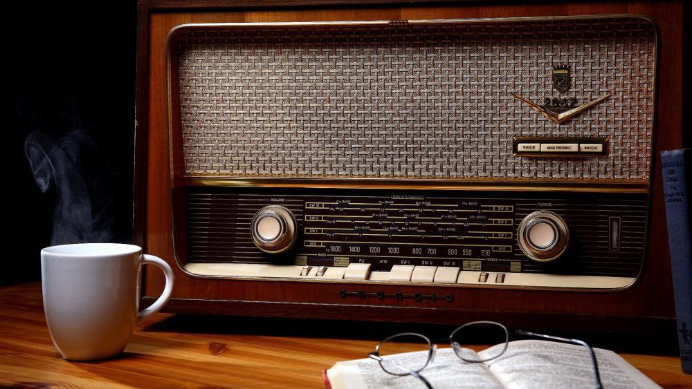 Vintage Radio wallpaper