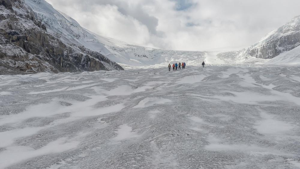 Athabasca Glacier (Jasper National Park) wallpaper
