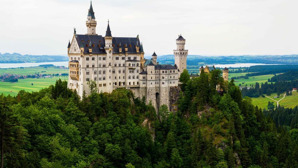 Neuschwanstein Castle in Germany wallpaper