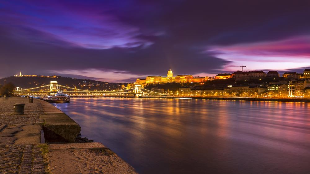 River of Danub at dusk (Budapest, Hungary) wallpaper