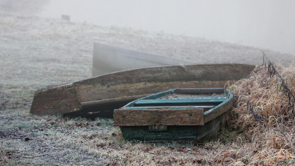 Boats in the fog wallpaper