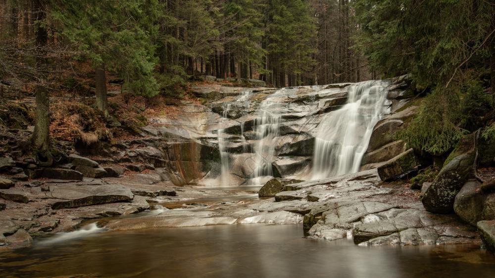 Mumlava Waterfall wallpaper