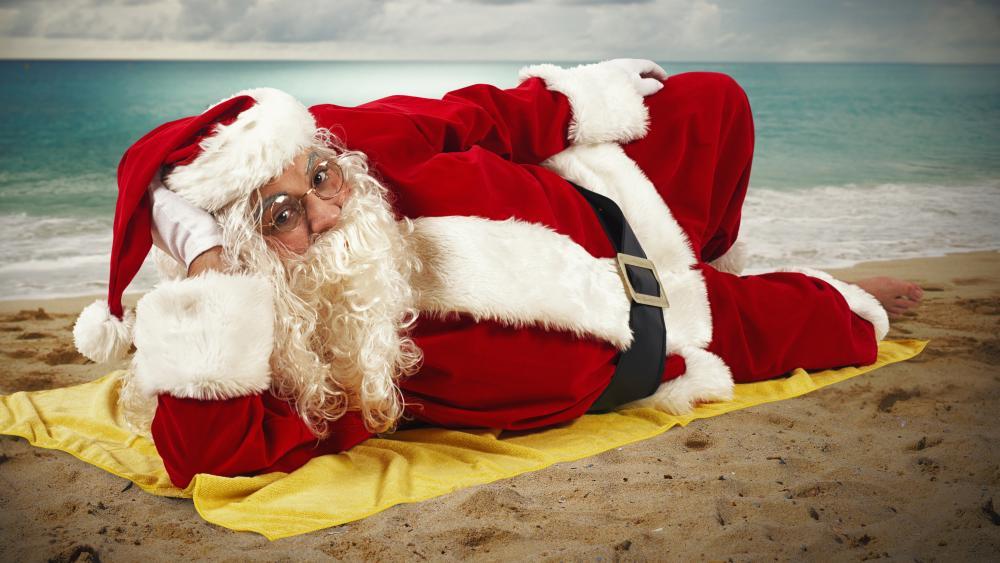 Santa Claus on the seashore wallpaper