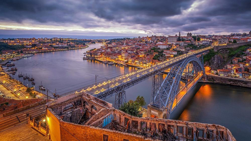 Dom Luís I Bridge (Porto, Portugal) wallpaper