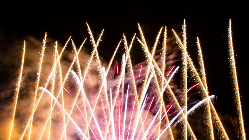 Bright Fireworks wallpaper