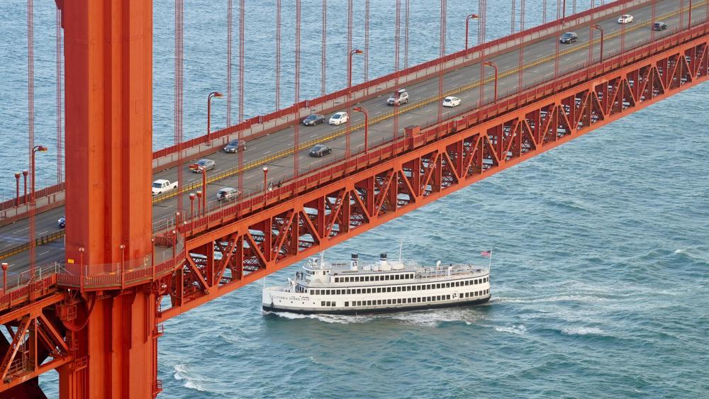 Ferry Under the Golden Gate Bridge wallpaper