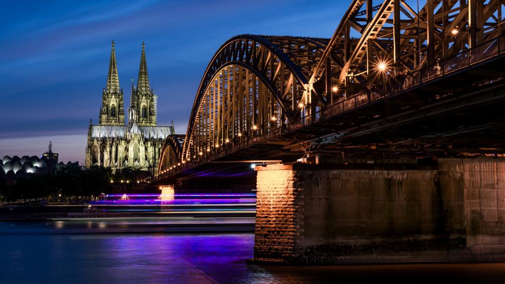 The Hohenzollern Bridge and the Cologne Cathedral wallpaper