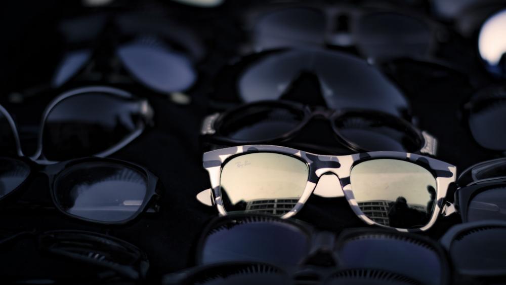 Dark Glasses wallpaper