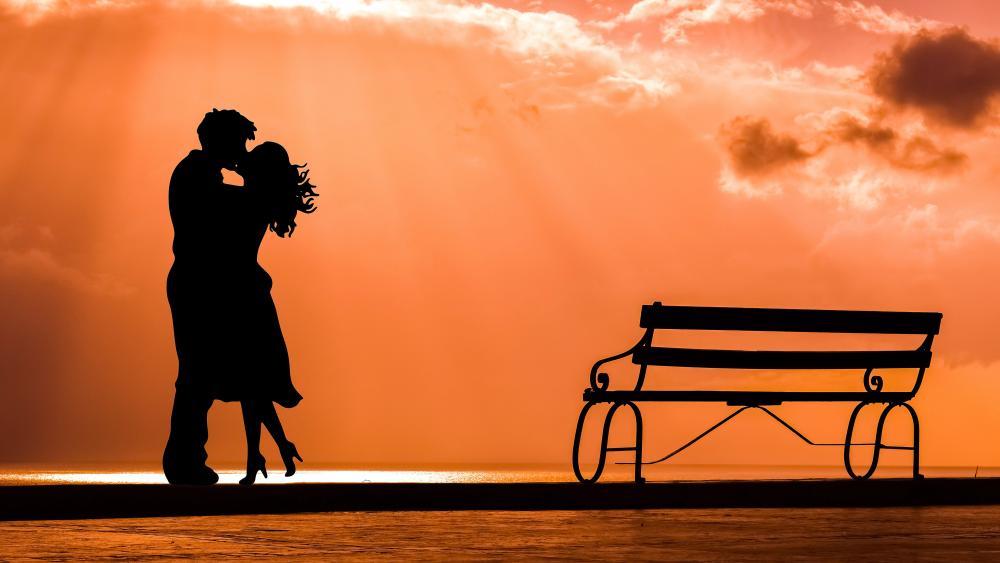 Kissing Couple Silhouette wallpaper