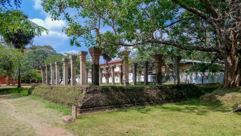 Ruins - Old kingdom, Anuradhapura wallpaper
