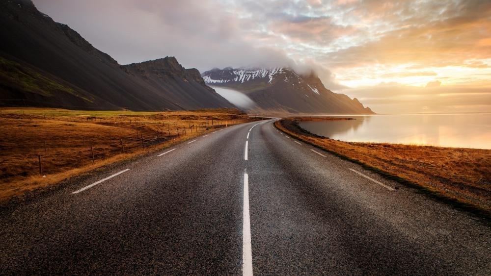 Coastline road in Iceland wallpaper