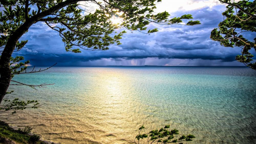 Cloudy weather at Lake Michigan wallpaper