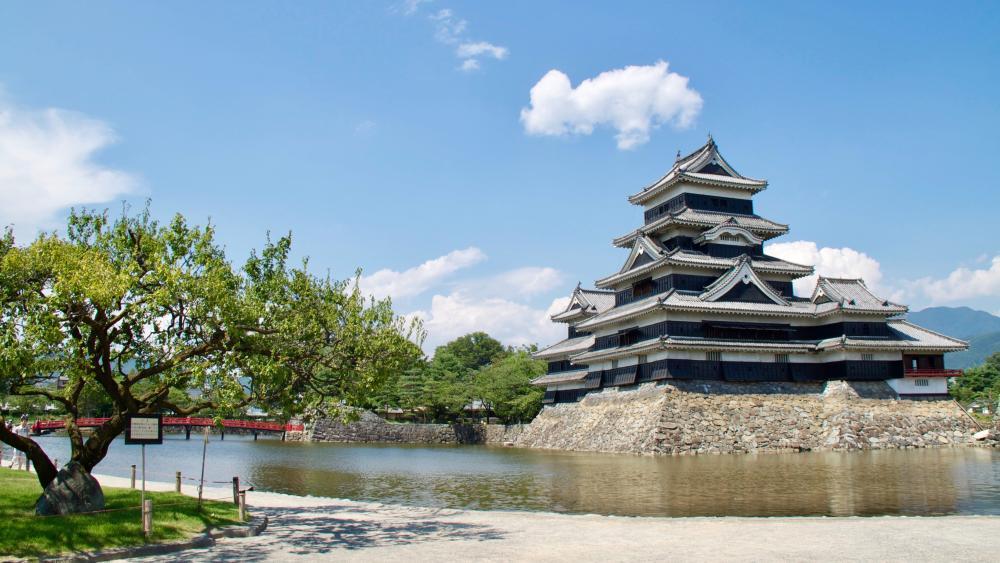 Matsumoto Castle (Japan) wallpaper