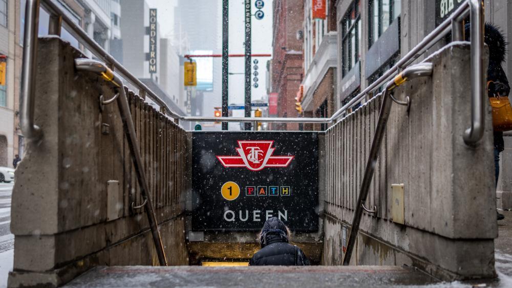 Queen station wallpaper