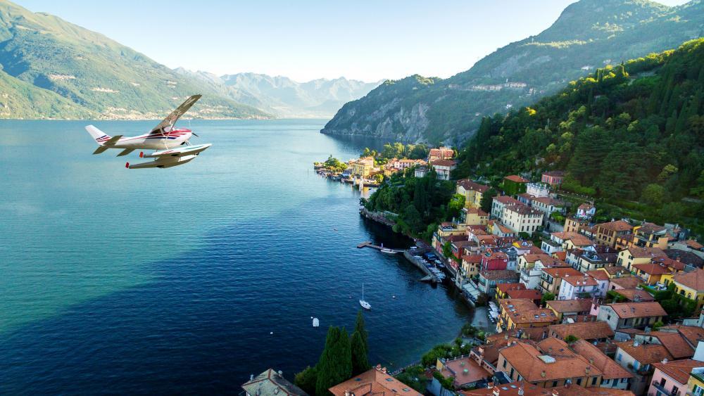 Varenna and Lake Como aerial view wallpaper
