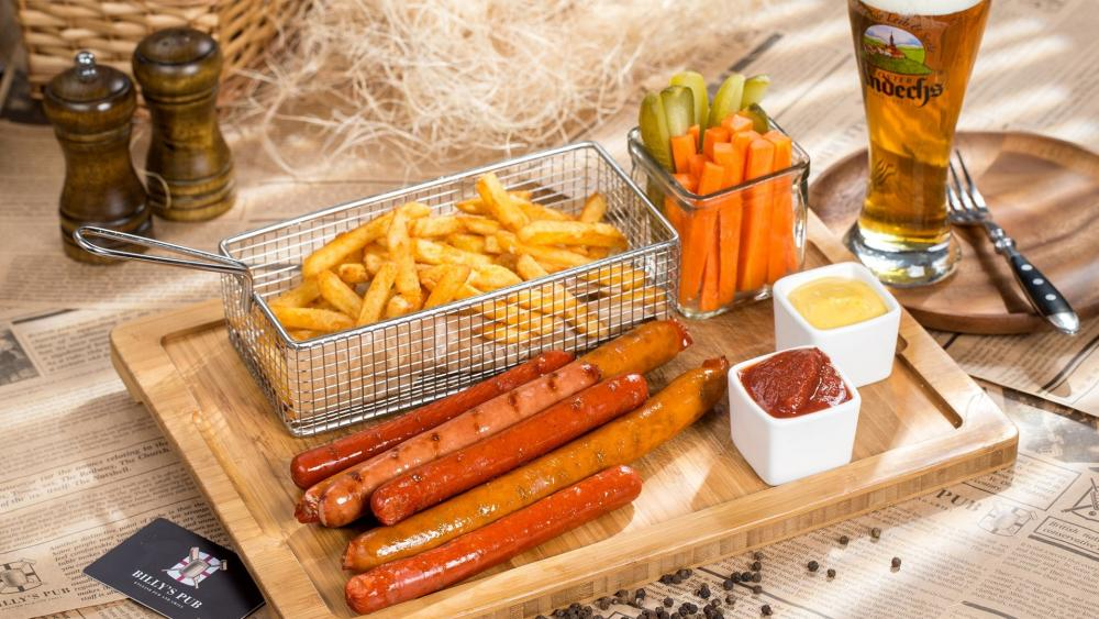 Fried sausage with french fries wallpaper