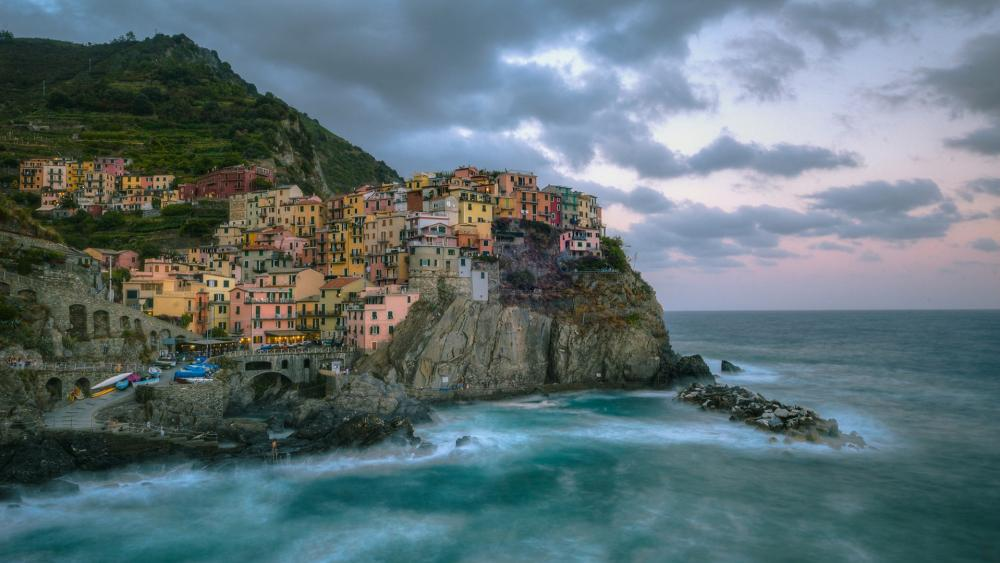Clody Manarola (Cinque Terre, Italy) wallpaper