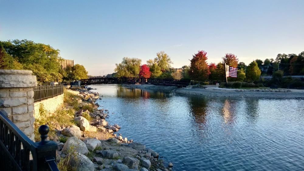 Fox River wallpaper