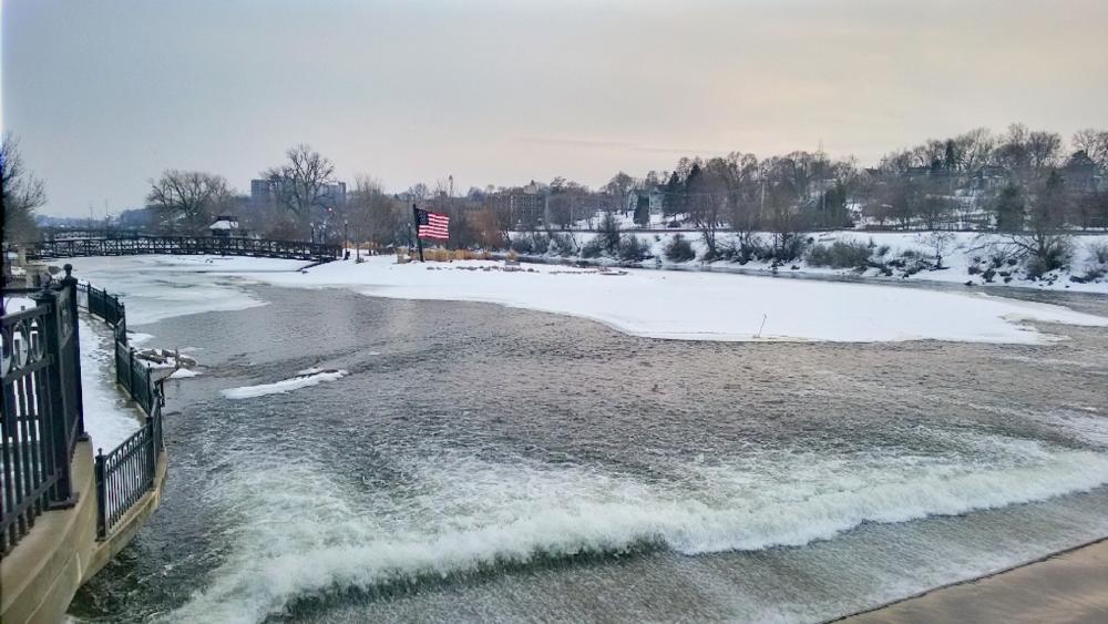 Frozen Fox River wallpaper
