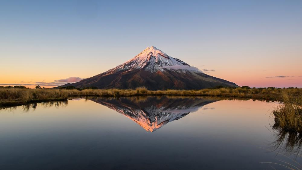 Mount Taranaki (Egmont National Park) wallpaper