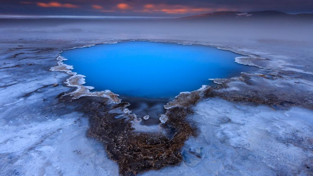 Blue geothermal pool near the Hveravellir hot spring wallpaper