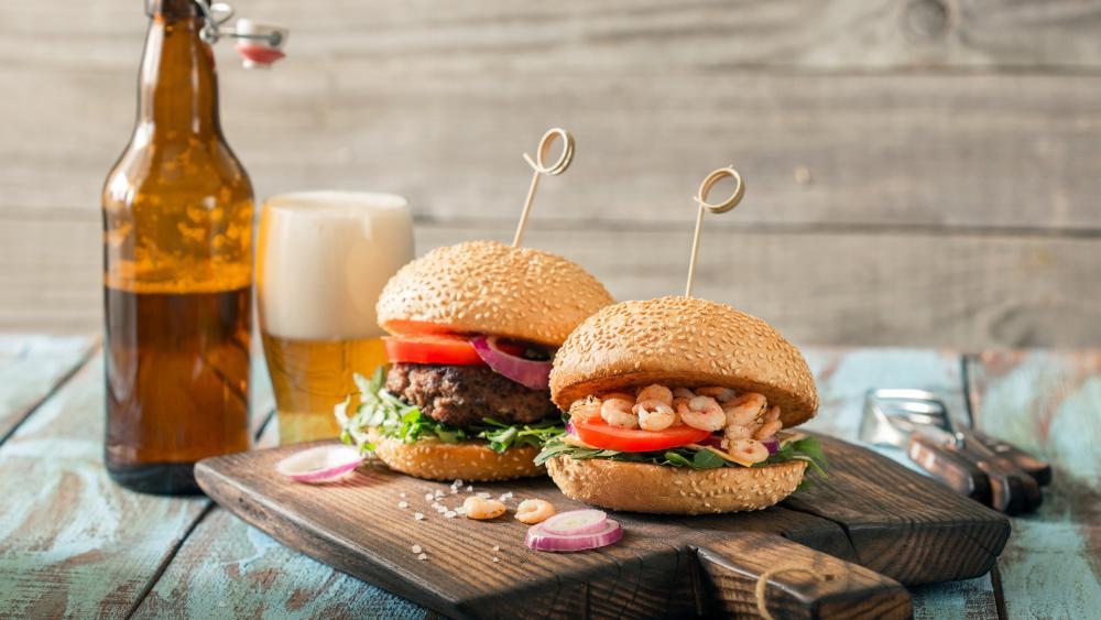Hamburger with shrimp wallpaper