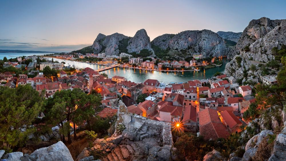 Omis and Cetina River wallpaper