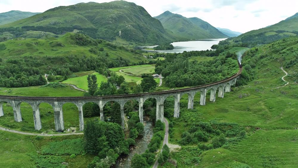 Glenfinnan Viaduct, Scotland wallpaper