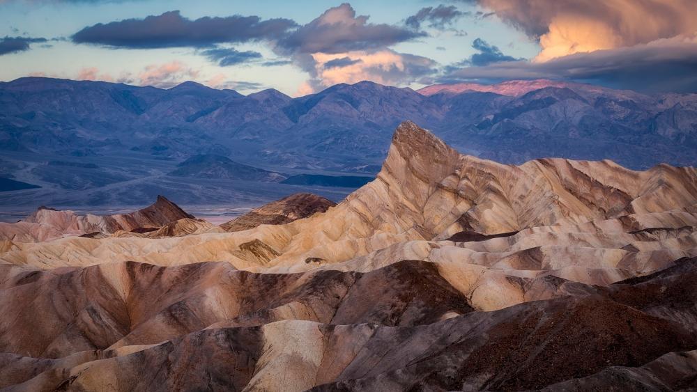 Death Valley National Park, Zabriskie Point wallpaper