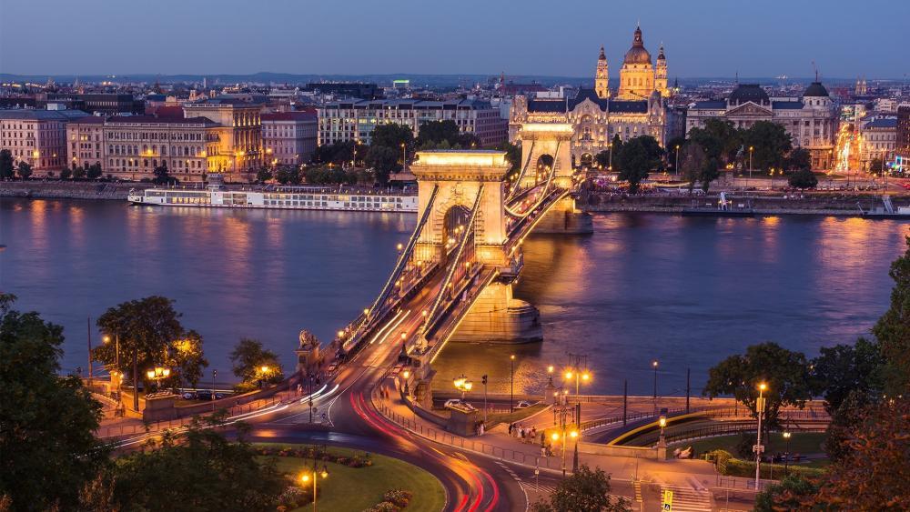Chain Bridge from Buda (Budapest, Hungary) wallpaper