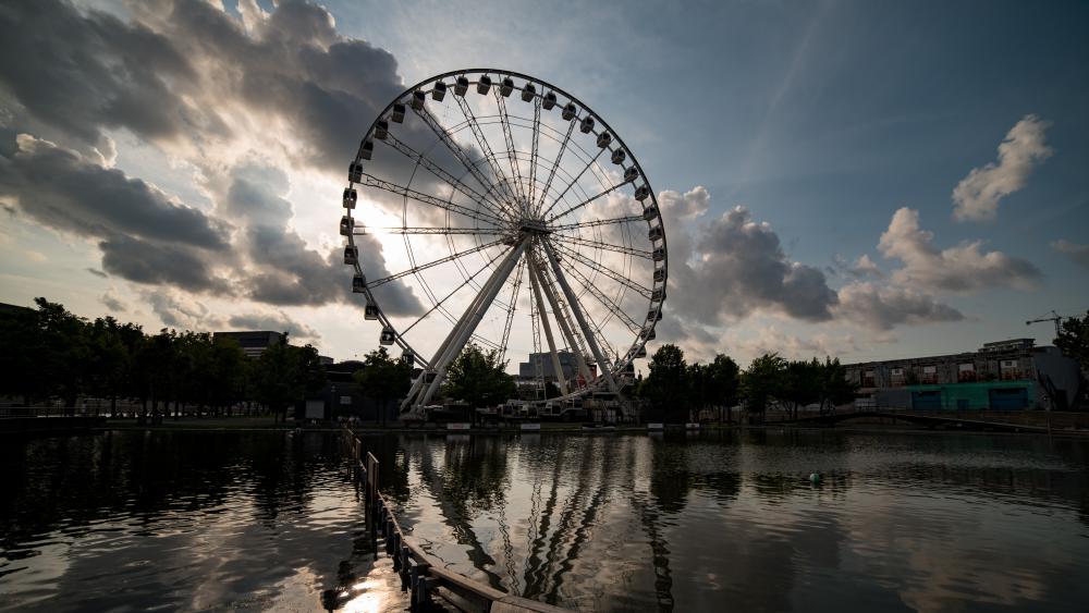 Ferris wheel in Montréal wallpaper
