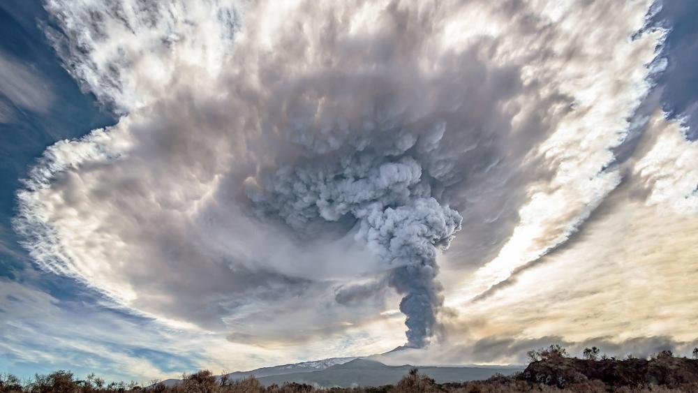 Pyroclastic cloud of Mount Etna wallpaper