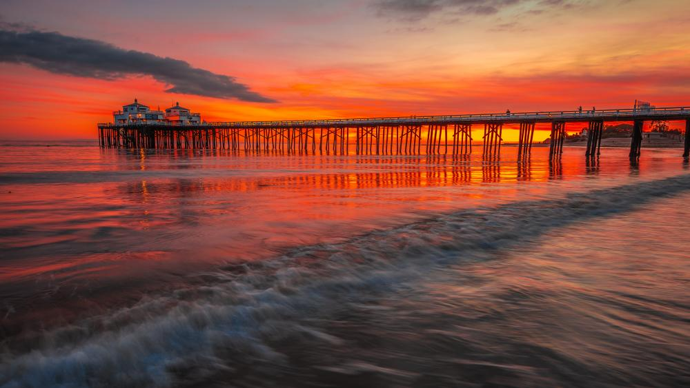 Malibu Pier at sunset wallpaper