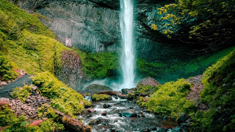 Latourell Falls (Oregon) wallpaper